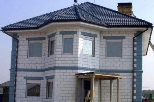 Выбор практичного человека: дом из блоков